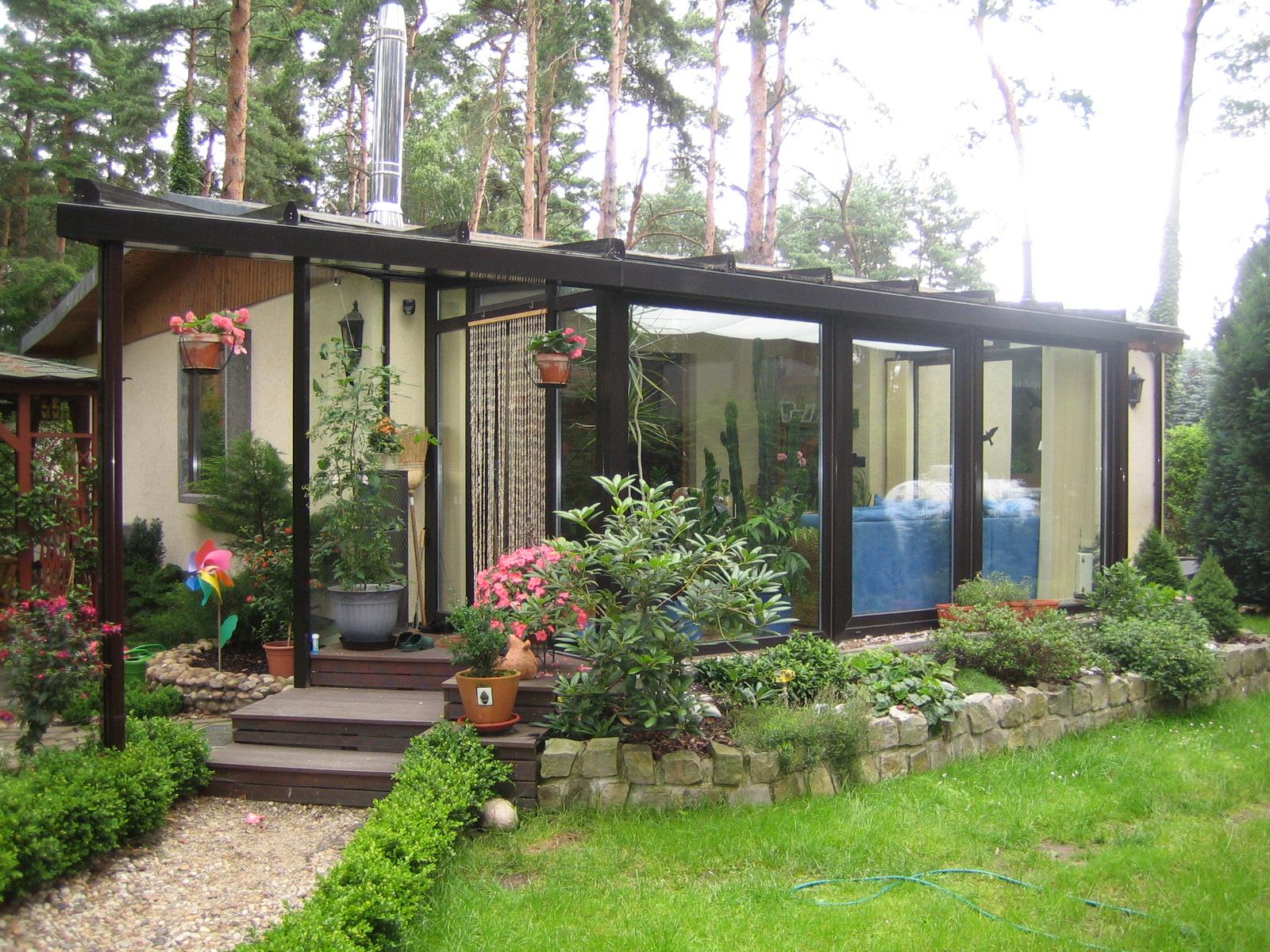 Wintergarten mit Vordach